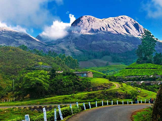 Munnar Hill Station: best places for honeymoon in kerala