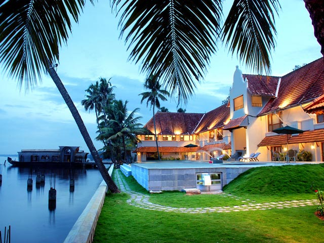 Titled As Gods Own Country Is One Of The Most Beautiful Places To Discover Love Honeymoon Resorts In Kerala Lure Couples From All Over World